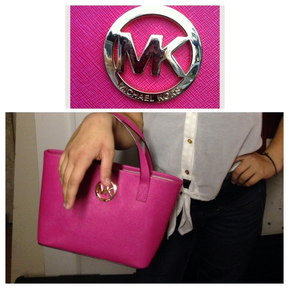 847912d1cb635 ... france michael kors bags michael kors xs extra small jet set tote hot  pink e4715 cdd58