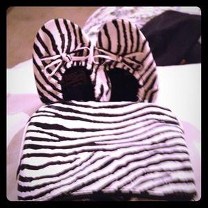 Zebra fold n go flats with matching purse