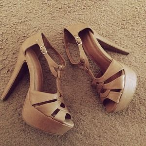 Forever 21 Shoes - Tan Strappy Heels
