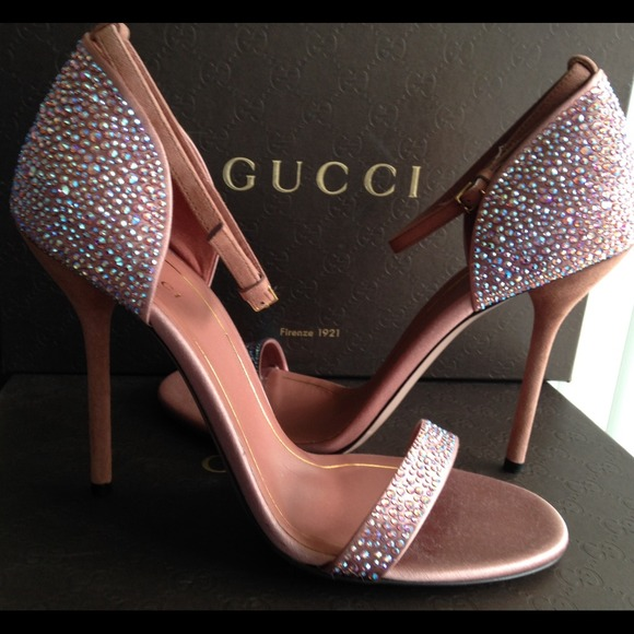 1e0cae1d98f6 Gucci Shoes - NEW Gucci Crystal Noah Sandal