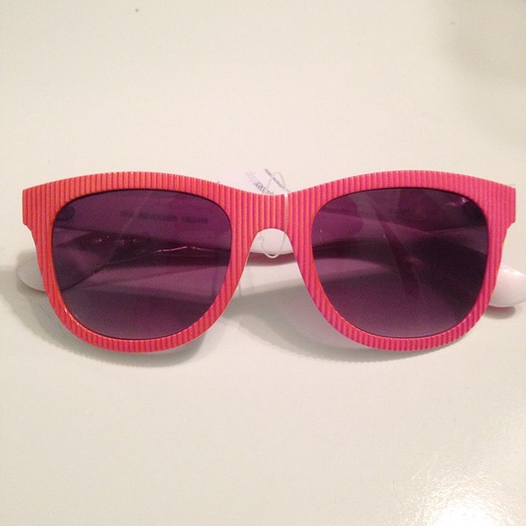 Le Specs Accessories - Le Specs The Revolver Pink Sunglasses