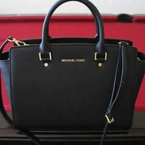 Michael kors bag(black)