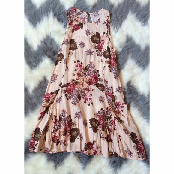 Brandy Melville Dresses & Skirts - SOLD! HOST PICK X2 Brandy Melville Floral Dress 2