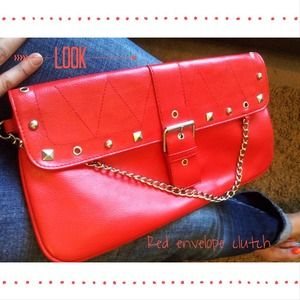 Boutique RED envelope clutch💁 NEW LISTING🎈