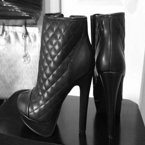 75% off Steve Madden Shoes - Steve Madden Quilted Booties from ... : quilted booties - Adamdwight.com