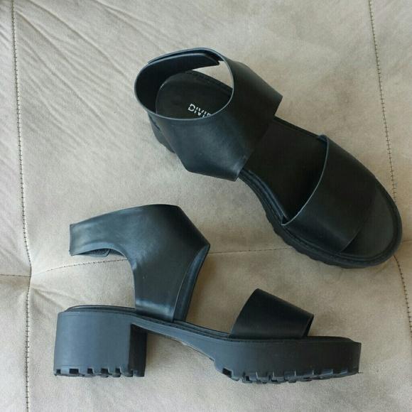 b7ebd4d3e40 H M Divided Chunky Heel Black Leather Sandals