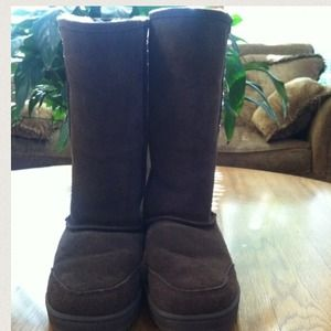 Boots - Bearpaw brown boots