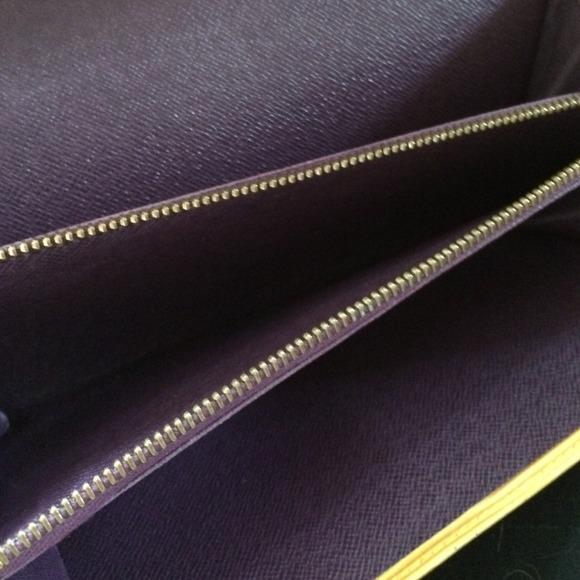 Louis Vuitton Bags - 💯Authentic Vintage Epi Louis Vuitton Wallet