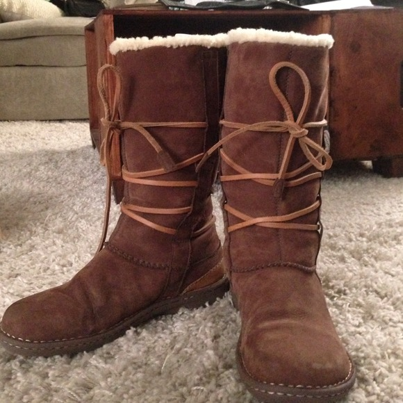 a09feb2a0eb Ugg Hard-sole tie up boots