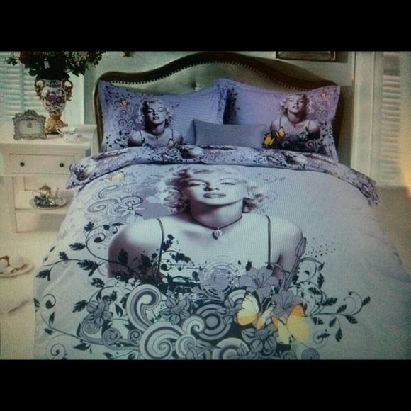 Marilyn Monroe Comforter Set