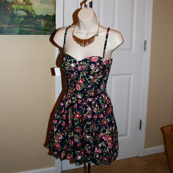 bustier floral summer dress� one size from mais