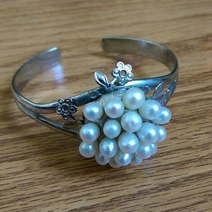 Jewelry - Gorgeous freshwater pearl bracelet