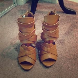 Bumper Shoes - Basically New Cognac Strappy Heels