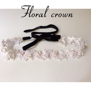 delightful designs Accessories - White summer sequin floral crown