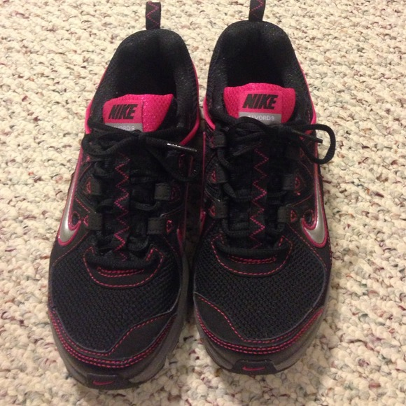 Nike Alvord 9 Running Black Pink Womens Size 6