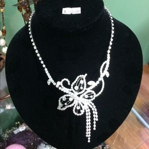 Jewelry - Hand made Korea stunning crystal evening necklace