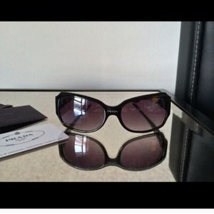 small prada purse - Fakes - Faux Prada Sunglasses w Box, Card and Goodies from Sara's ...