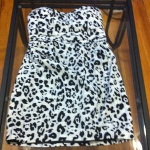 Express Dresses & Skirts - 💥REDUCED💥Strapless Animal Print Dress