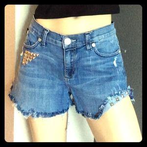 SOLD🎀 Rock and Republic Cutoff jean shorts 🎀
