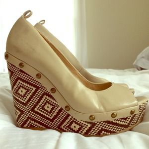 Shoes - Tall Straw Wedges Beige & Black Aztec Pattern