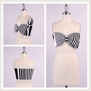 Tops - Large big bow teo bandeau cropped stretchy top M