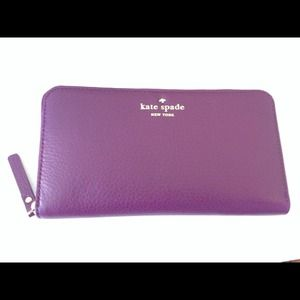 kate spade Clutches & Wallets - 💋SOLD💋Kate Spade Zippered Wallet in Plum