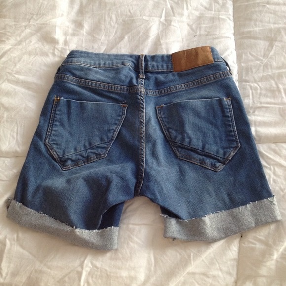 38% off H&M Denim - H&M high waisted mid length shorts from ...
