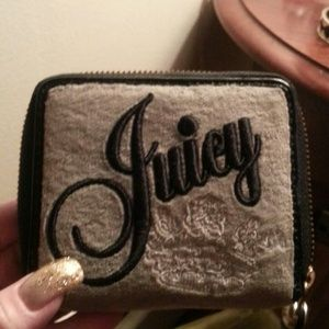 AUTHENTIC JUICY COUTOUR WALLET