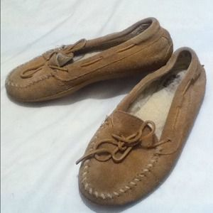 💙💙SOLD💙💙 Minnetonka Suede Moccasins Size 9
