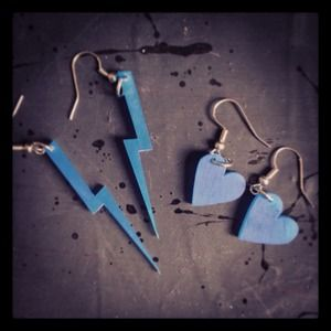 Electric blue heart + lightening bolt earring set