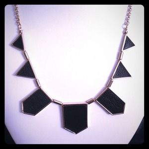 Triangle Fashion Necklace - New