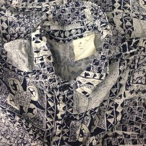 Vintage button down printed t