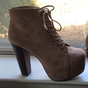 Shoes - NEW✨ Bold Taupe Vegan Suede Platform Booties