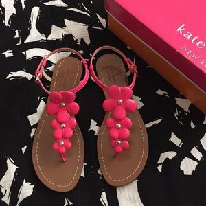 💕HOST PICK💕Kate Spade flower sandals