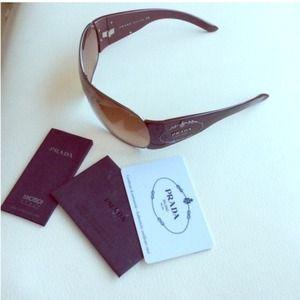 ⬇️REDUCED 💯 Authentic Prada Sunglasses 😍