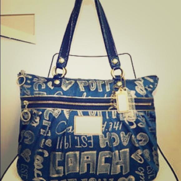 Coach Handbags - Coach Poppy Purse 851a62cd37917