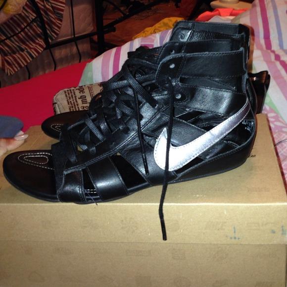 db71bdf0dee Black nike gladiator sandals. M 539b4a0394c7de53d810fed3