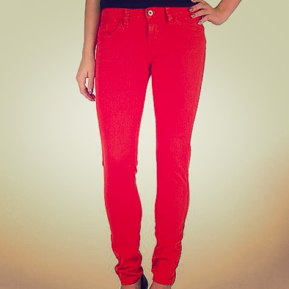 Guess red Brittney skinny jean sz 26