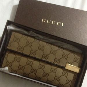 Gucci Trademark Continental wallet (authentic)