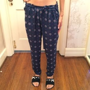 Brand new Zara pants. Xs. Very comfy.