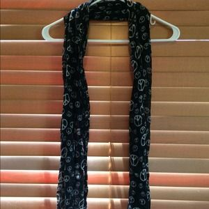 Accessories - Lightweight black scarf with peace signs