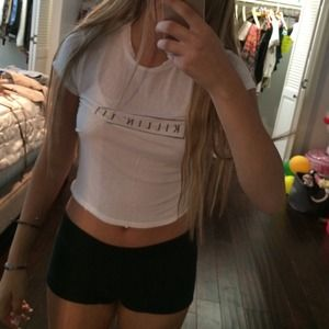KILLIN it brandy MELVILLE white tee