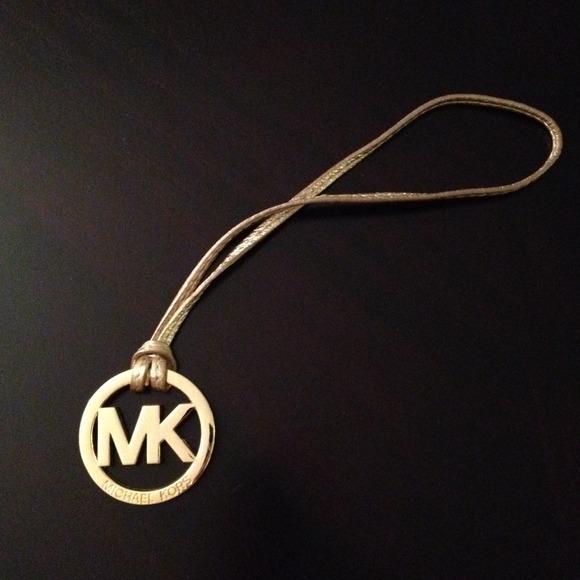 8d58106ca88b5 michael kors accessories bag zip around wallet review - Marwood ...