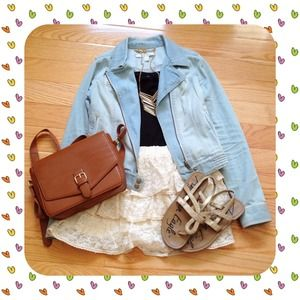 Dresses & Skirts - 🌟HP 9/13🌟Adorable Cream Lace Tiered Skirt