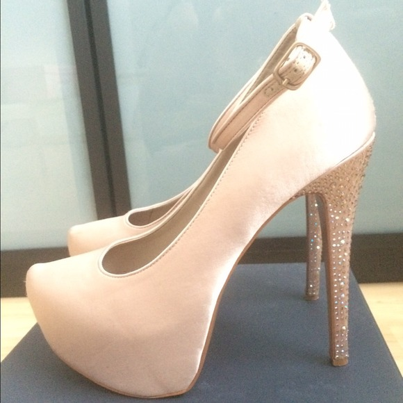 H by Halston Patent Platform Pumps cheap genuine 2014 new cheap price TNCg0C3fIi