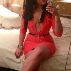 Dresses & Skirts - Coral plunge dress with belt