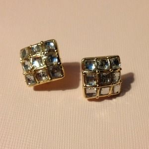 Jewelry - Antique fashion earring