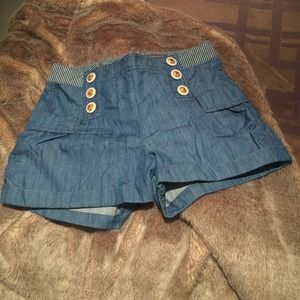 ⬇️Reduced! High waisted denim shorts.
