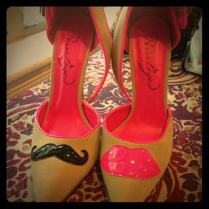 Shoes - Mustache and lip heels! Size 6 via Gypsy Warrior