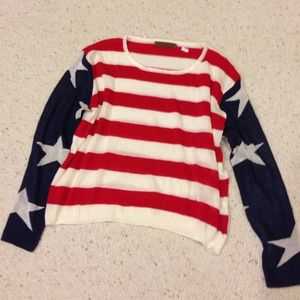 🆕 Flag sweater 🇺🇸 (similar to the 1 by Brandy)